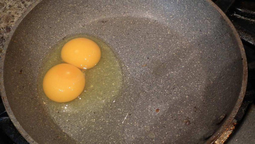 double yolk egg
